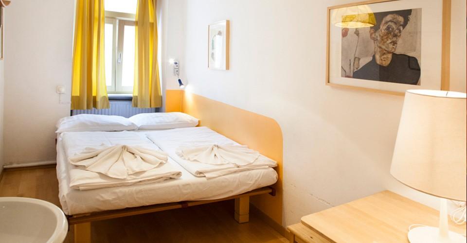 Quartos e dormitórios limpos e confortáveis. O albergue mais em conta de Viena