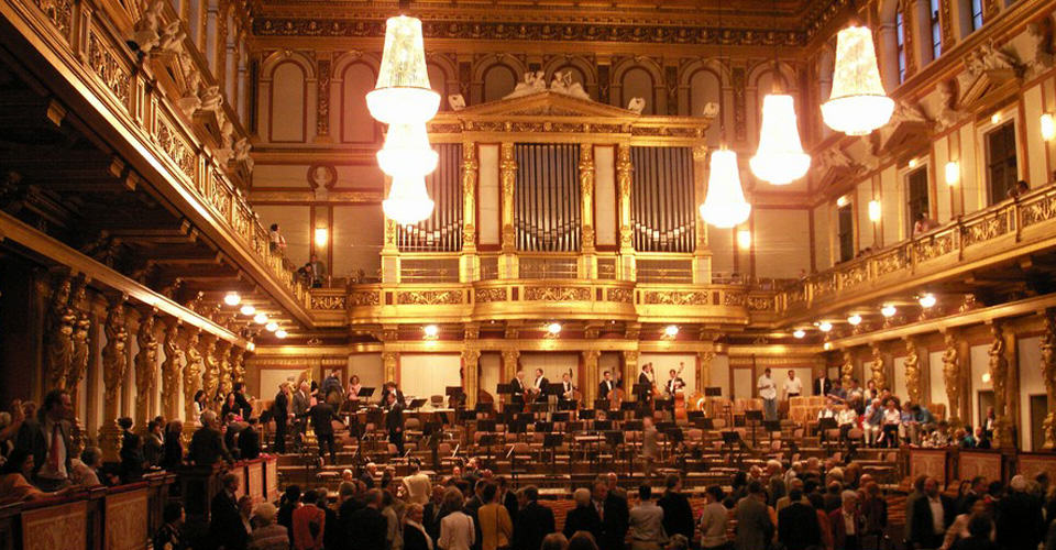 Music Vienna Musikverein concert hostel golden hall